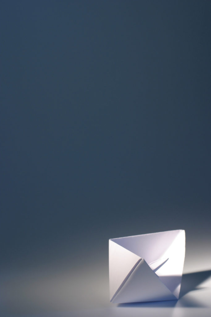 Paper Boat © Ward Meremans